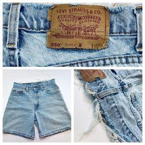 Levis 550 Vintage Denim Mid Length Shorts Size 9